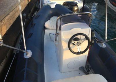 alquilar barco sin carnet hasta 5 personas en barcelona