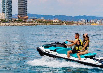 Descubre Barcelona en moto acuática