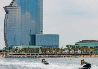 Tour por la costa del Barcelona + Hotel W en moto de agua